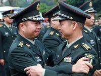 驻港部队完成第19批干部轮换 200余名军官返内地