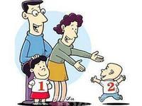 """父母苦盼8年二胎 弟弟脐血给""""地贫""""姐姐送去生机"""