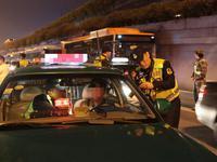 市交通执法部门开启夜间模式
