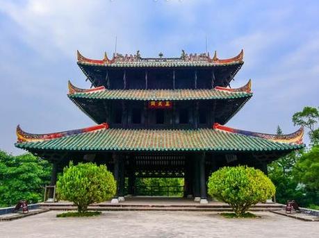 广西有座四柱悬空的鲁班神仙楼