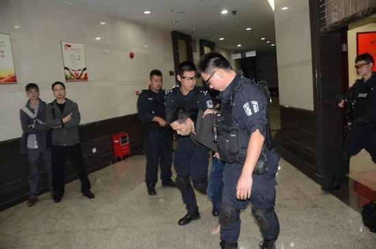 案发后第6日,头号犯罪嫌疑人林某宏被擒。 警方供图
