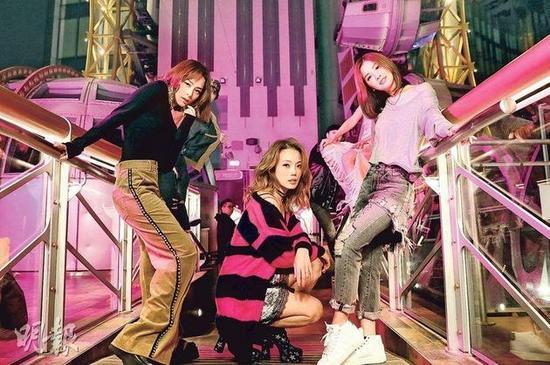 阿娇(左起)、容祖儿及阿Sa合作拍MV,好姐妹尽显默契