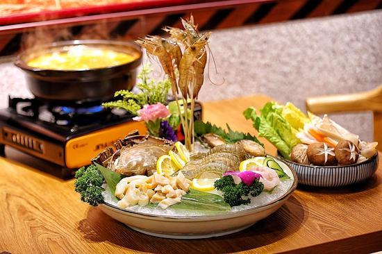 鲍鱼泡菜海鲜火锅