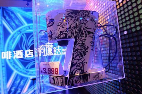 喆啡酒店CEO手绘胶囊咖啡机