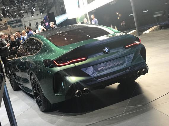 动力方面,新车有望搭载高功率版本的4.4T V8发动机,最大功率达到470kW。