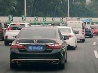 乐广高速拥堵一度超7公里
