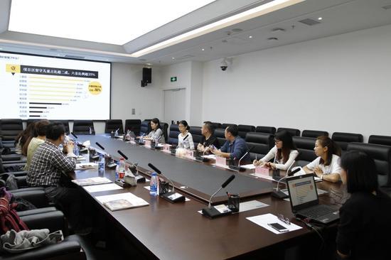 北师大中国公益研究院郑佑之分享童伴妈妈项目贵州基线调研的发现