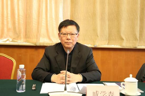 中国社会福利基金会理事长戚学森主持会议