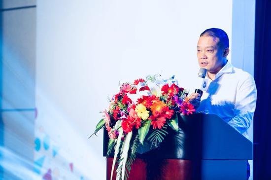 碧桂园集团副总裁、浙江区域总裁欧阳宝坤发言