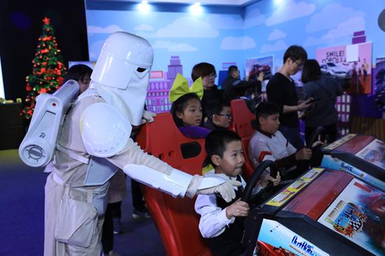 来自全国各地的丰彩小画手们欢聚在上海中成智谷云·SPACE秀场,一起度过了一个有趣且有意义的周末。