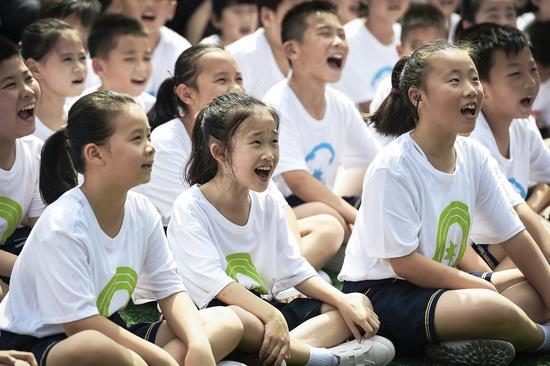 """上海管弄新村小学学生参加耐克""""活力校园"""" 项目启动仪式"""