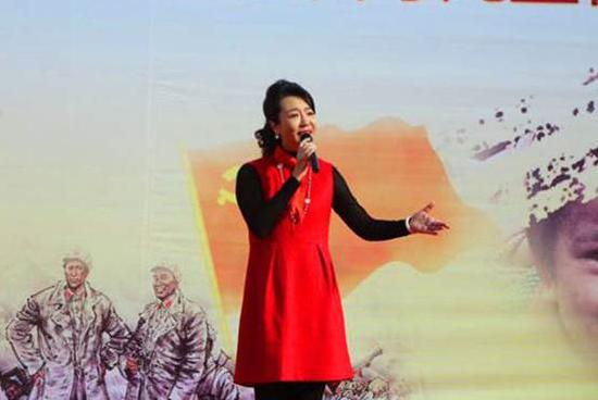 海政文工团歌唱家周京演唱