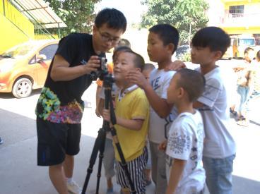 索尼梦想教室西安交通大学支教队伍在陕西咸阳市兴平市弗莱希望小学