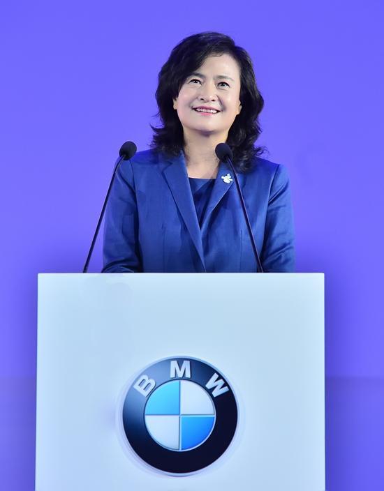 """""""BMW未来出行青年实践营""""总导师——宇恒可持续交通研究中心主任王江燕女士致辞"""