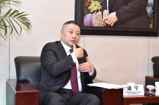 优衣库大中华区CEO潘宁接受媒体采访