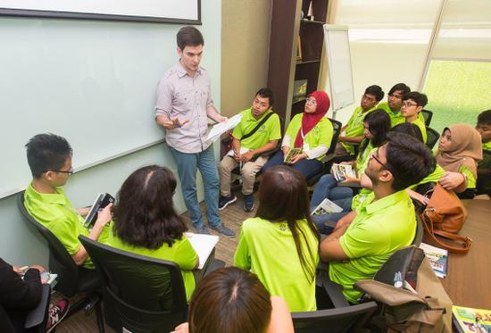 """每个""""青年社会企业家""""项目参与团队都配有经验丰富的导师(一)"""