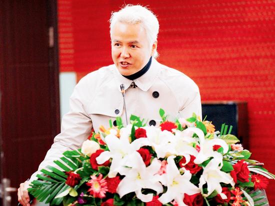上海达尔威贸易有限公司董事长,中华儿慈会爱心大使林瑞阳现场致辞