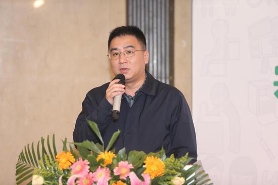 共青团湖北武汉市洪山区委员会书记郑雪明