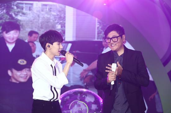 王源与孙楠共同演唱发布会公益主题曲