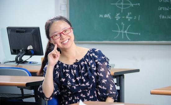 于国文,1997年接受春蕾计划资助,现就读于北京师范大学,攻读博士学位
