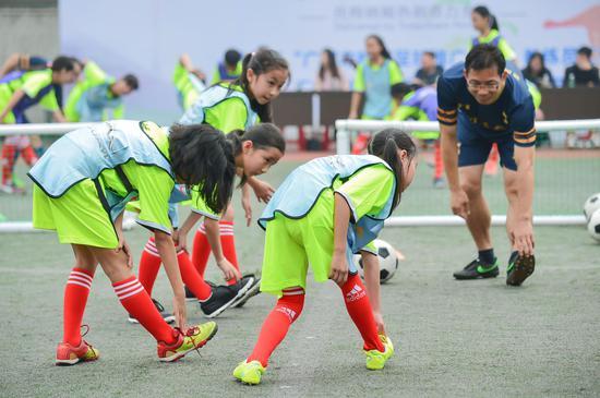 基层体育老师将培训中收获的热刺先进青训理念应用于实战教学
