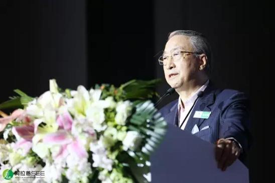 世界自然保护联盟(IUCN)主席章新胜发表主旨演讲