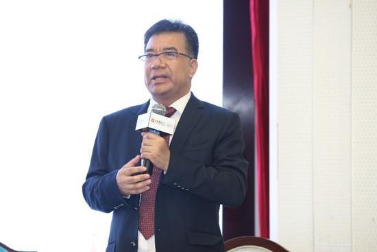 卓永岳先生