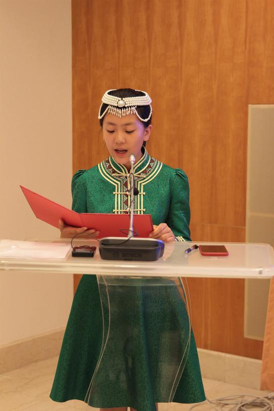 内蒙古民族地区学生代表发言