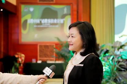 百胜中国首席公共事务官王立志现场接受媒体采访阐述活动意义