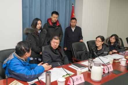 专家评审团对各项目地提交方案进行审核讨论