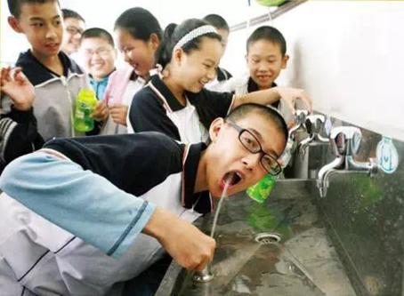 校园关爱直饮水项目,推广环保的校园直饮水设备