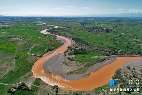 """黑河蜿蜒似""""长龙""""卧翠"""