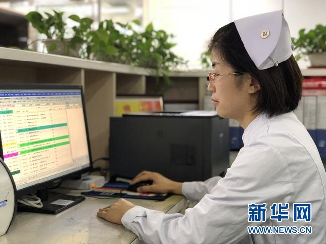 """甘肃兰州:高学历护士成医疗机构的""""香饽饽"""""""