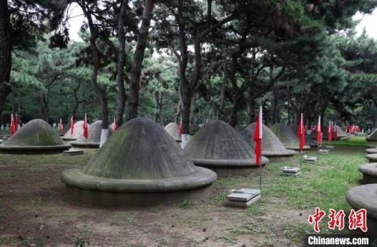71年前,中国人民志愿军同朝鲜人民和军队一道,历经2年零9个月浴血奋战,赢得抗美援朝战争的伟大胜利。 甘肃省退役军人事务厅供图