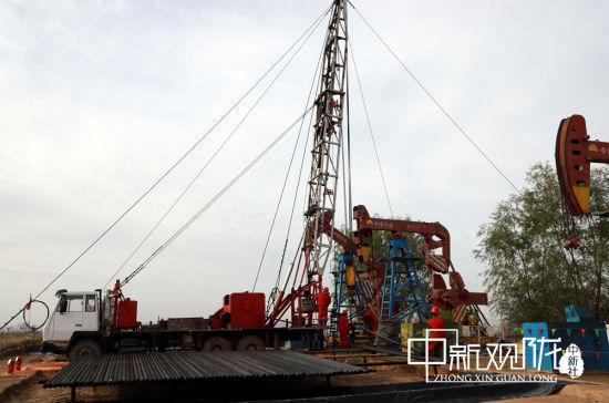 长庆采油二厂紧密衔接措施作业各项工序,安全高效完成措施增油任务。