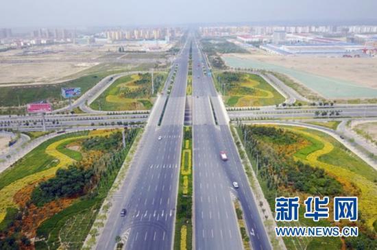 兰州新区黄河大道。新华社记者 范培珅 摄(资料图片)