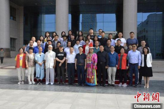 6月8日至10日,甘肃省非物质文化遗产保护中心和兰州资源环境职业技术学院共同举办非遗进校园系列活动。 李亚龙 摄