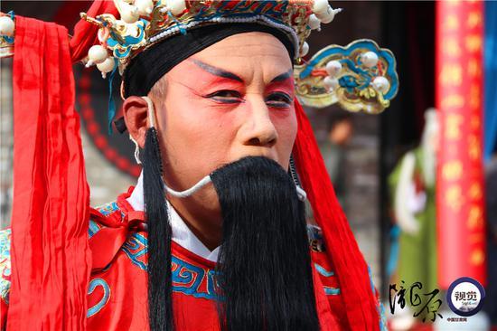王宏荣饰演的天官