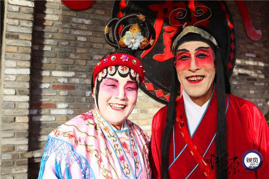 王培亮、侯淑兰也是一对夫妻唱将