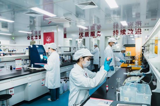 图:燕之屋研发中心
