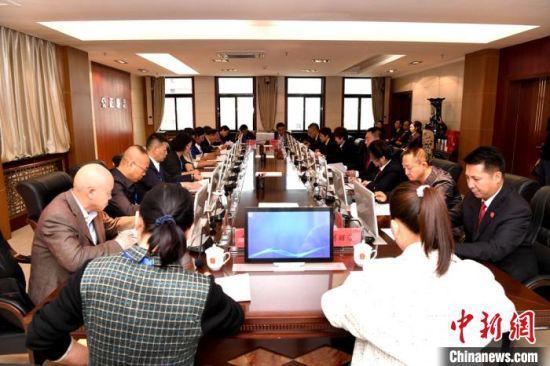 """连日来,甘肃省高级人民法院首次通过线上线下、三级法院联动形式开展的代表委员""""法院行""""活动。"""