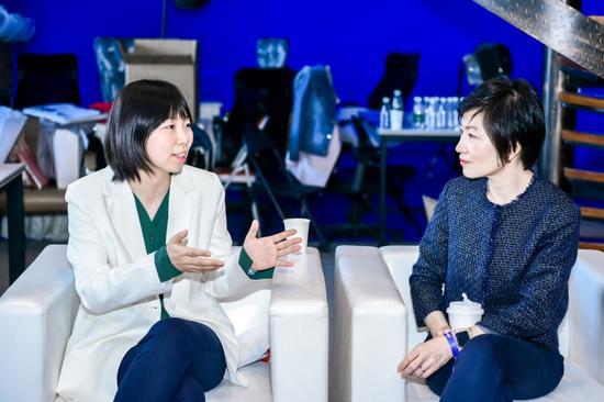 左:京东健康营养保健部总经理杨叶右:雀巢中国婴儿营养业务负责人杨栩湘