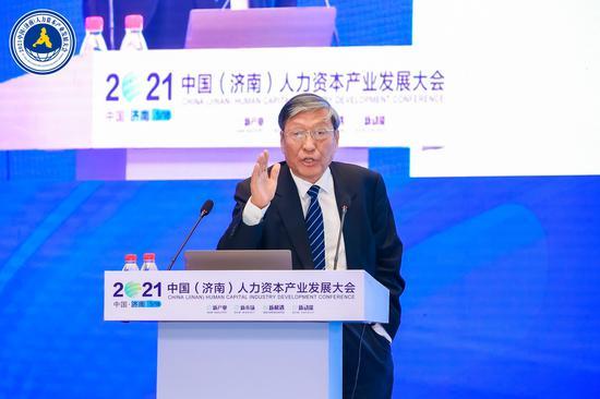 中国宏观经济研究院教授 常修泽