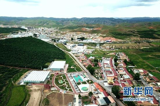 甘南藏族自治州合作市坚木克尔街道加拉尕玛村。新华网发(童张伟 摄)