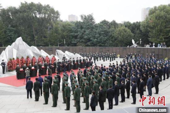 09位志愿军烈士英灵及1226件相关遗物回到祖国怀抱。 甘肃省退役军人事务厅供图