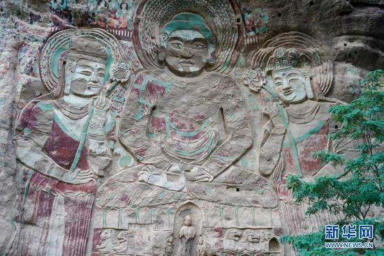 水帘洞石窟群摩崖浮雕造像(8月18日摄)。