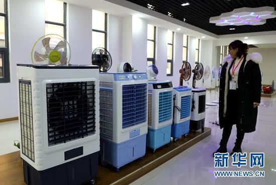 张掖智能制造产业园内生产下线的家电。新华网(王生元 摄)