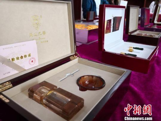 图为永登县企业研发的玫瑰花系列产品。 杜萍 摄