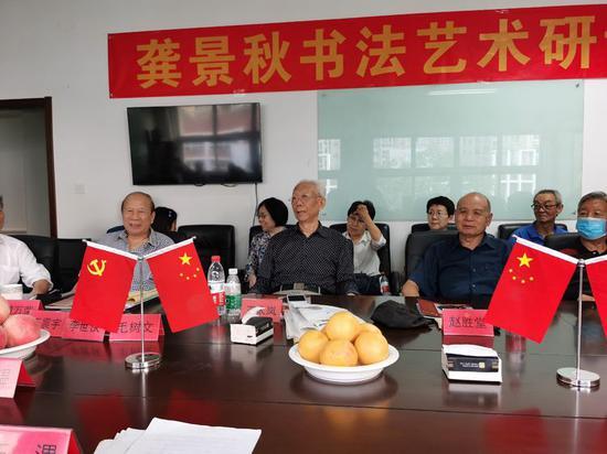 王太岚中将(中)、赵胜堂少将(右)、黄万荣少将(左)