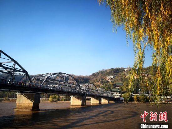 图为黄河兰州段秋日景色。(资料图) 杨艳敏 摄